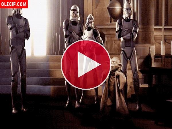 Yoda bailando (Star Wars)