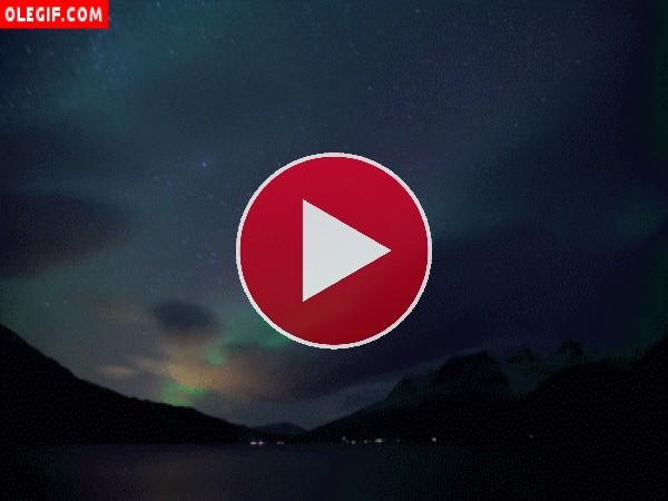 GIF: Aurora boreal