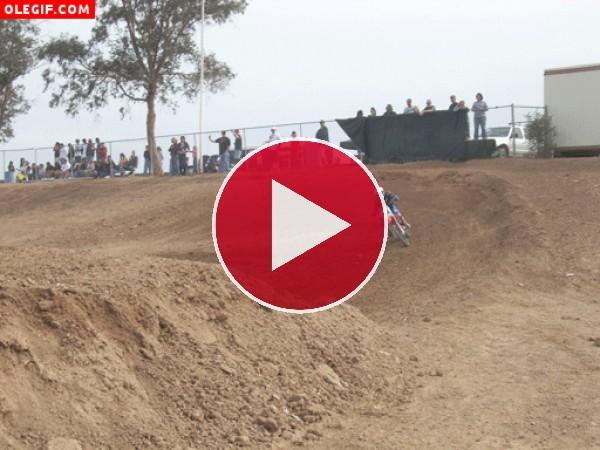 GIF: Salto en moto