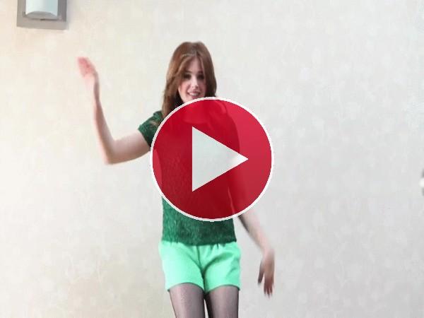Chloë Grace Moretz bailando