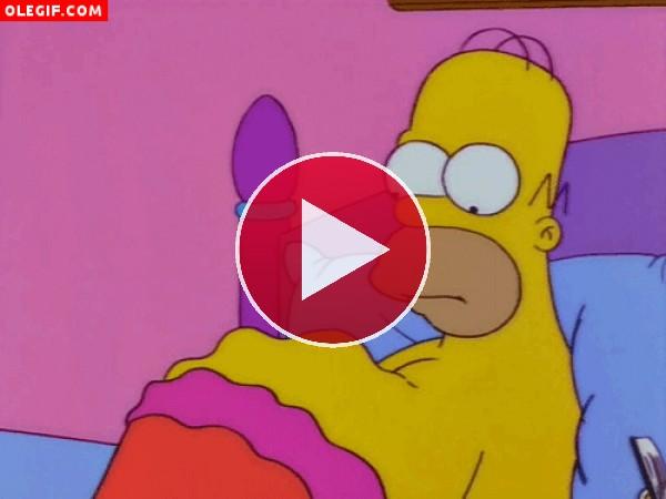 Movimientos en la tripa de Homer (Los Simpson)