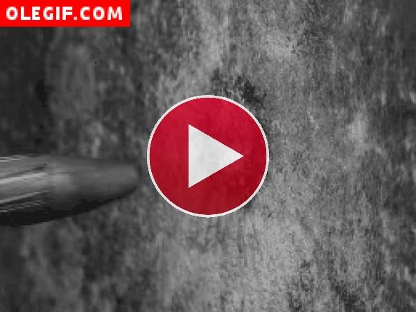 GIF: Impacto de una bala