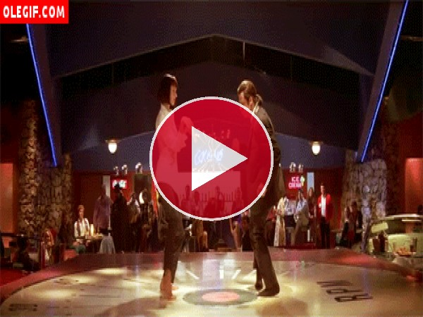 GIF: Vincent y Mia bailando (Pulp Fiction)