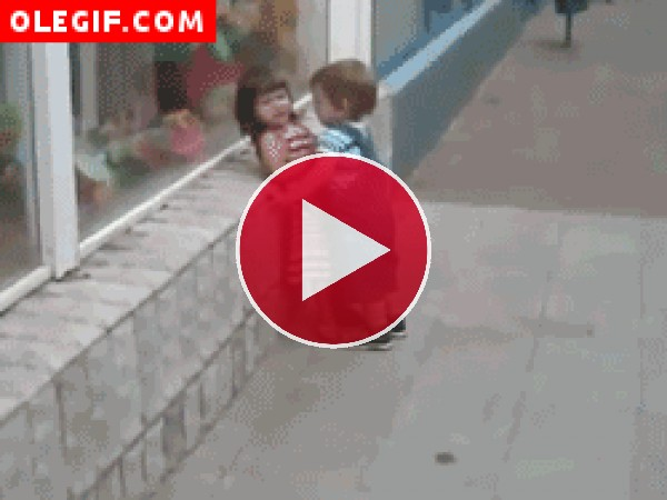 GIF: Esta niña tiene las ideas claras