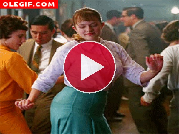 Mira el movimiento de caderas de Peggy Olson (Mad Men)