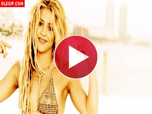 GIF: Shakira está loca, loca, muy loca