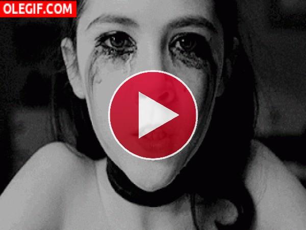 Chica llorando y muy cabreada