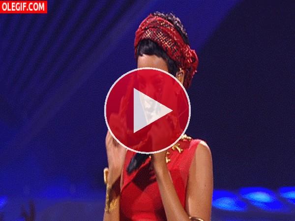 ¿A quién guiña el ojo Rihanna?