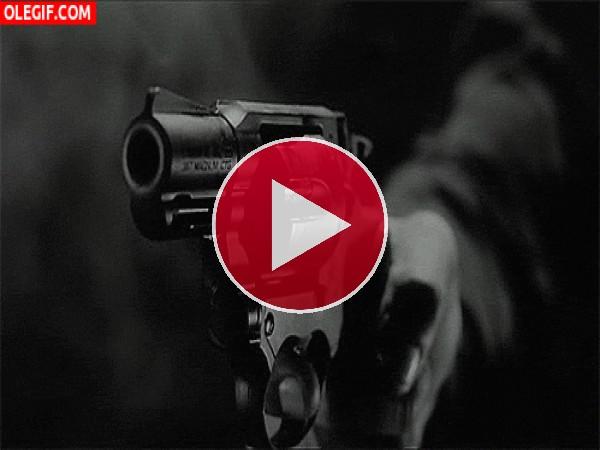 Disparando una pistola