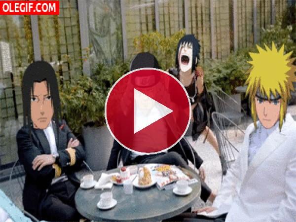 GIF: Naruto con sus colegas en una terraza