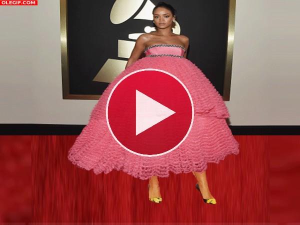 El vestido vaporoso de Rihanna