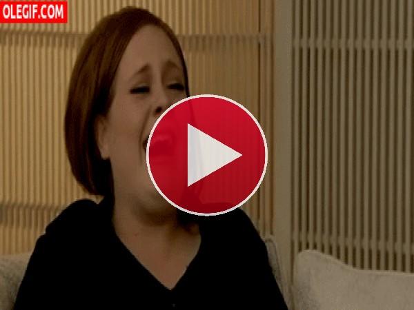 Adele descojonada de risa