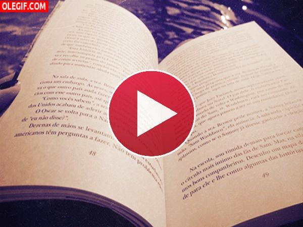 Pasando las páginas de un libro