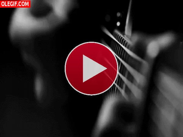 GIF: Tocando la guitarra