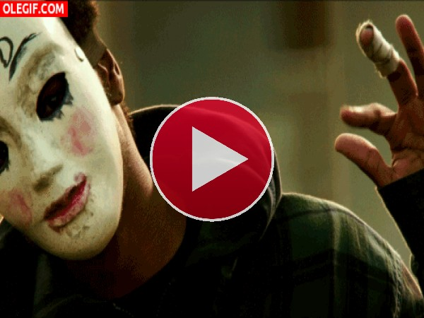 GIF: El chico de la máscara te saluda