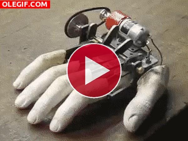 El movimiento de una mano mecánica
