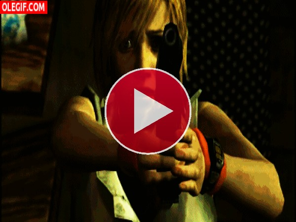 GIF: Heather Mason pegando tiros (Silent Hill 3)