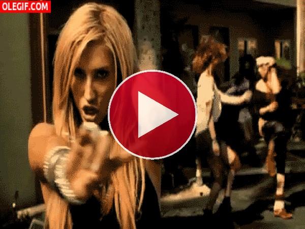 GIF: No, no,no... Kesha no es una chica mala