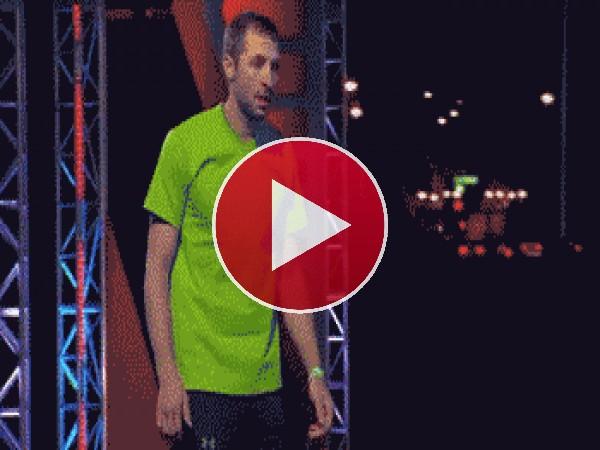 GIF: Un infiltrado corriendo en bolas