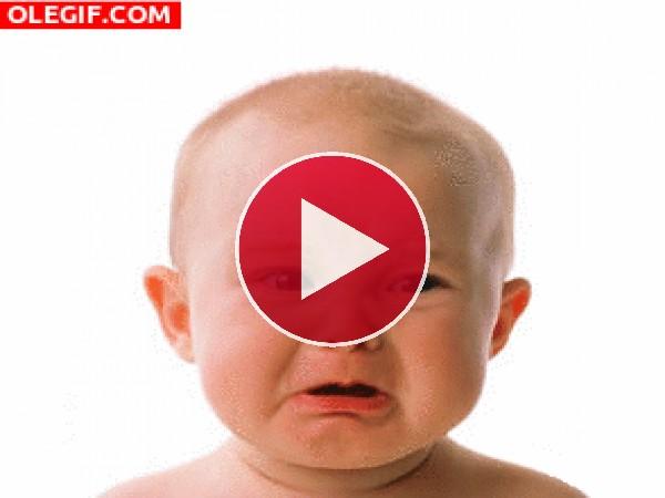 Mira cómo llora este bebé