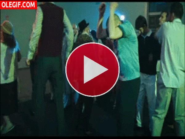 Soy el que mejor baila de la fiesta