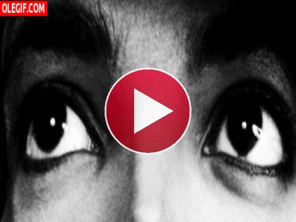 GIF: Las miradas de Michael Jackson