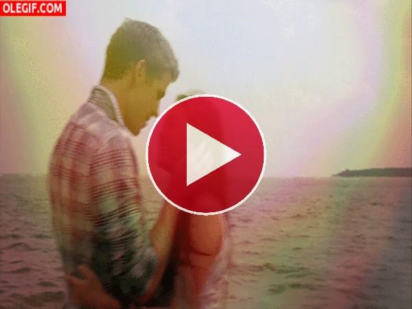 Besos junto al mar