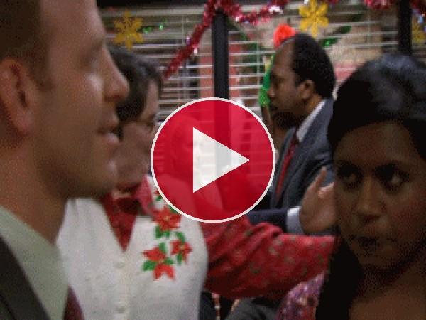 GIF: Una divertida fiesta de Navidad en la oficina