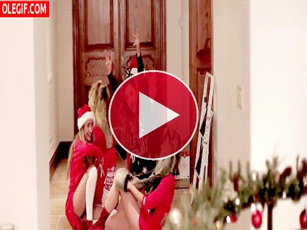 Amigas festejando la Navidad