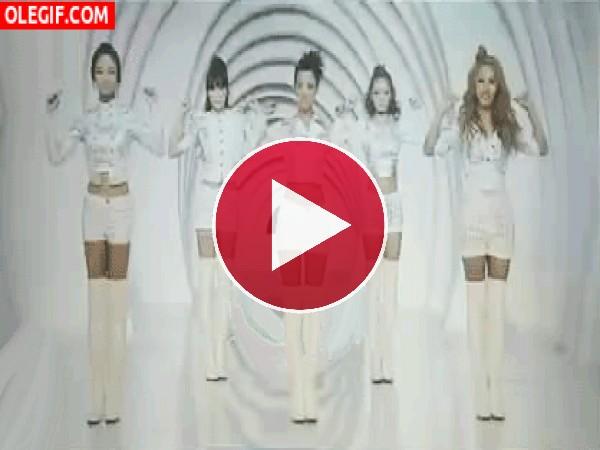 """GIF: Qué bien bailan las chicas de """"Kara"""""""