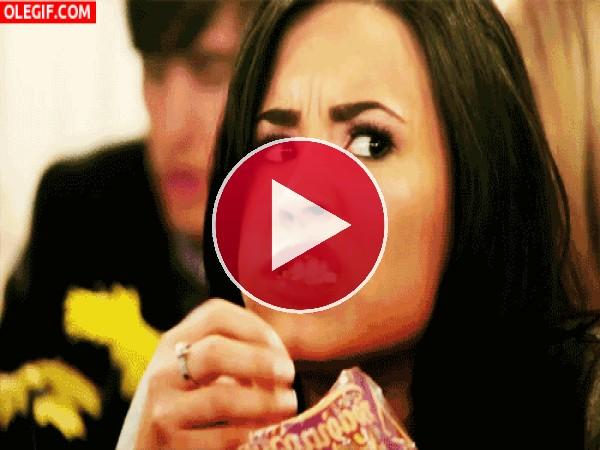 GIF: Cuando me enfado me da por comer