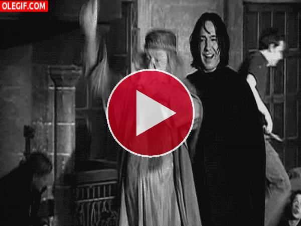 GIF: Qué bien se lo pasan en la escuela de magía Hogwarts