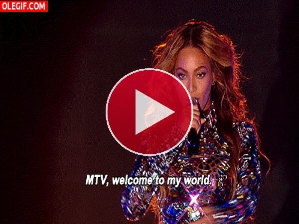 Beyoncé deslumbrando en los premios MTV