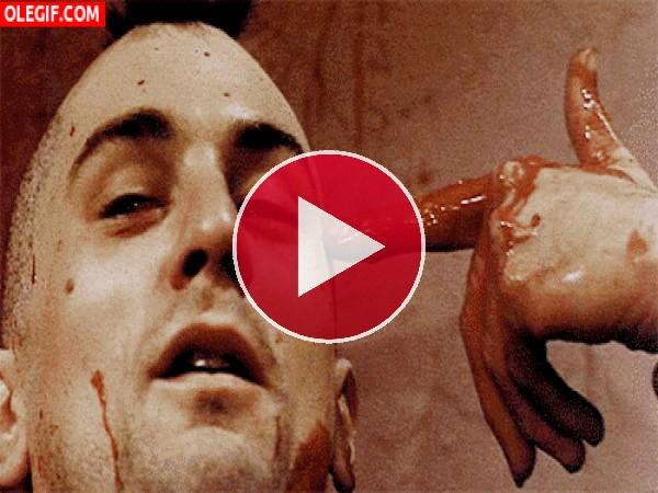 """GIF: Robert De Niro en una escena de """"Taxi Driver"""""""