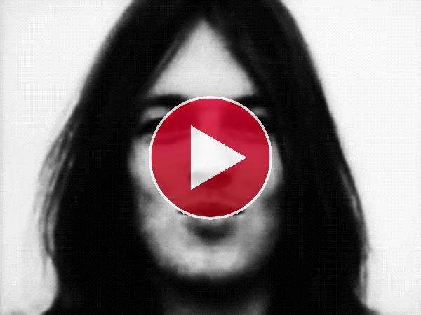 GIF: David Gilmour lanzándonos un beso