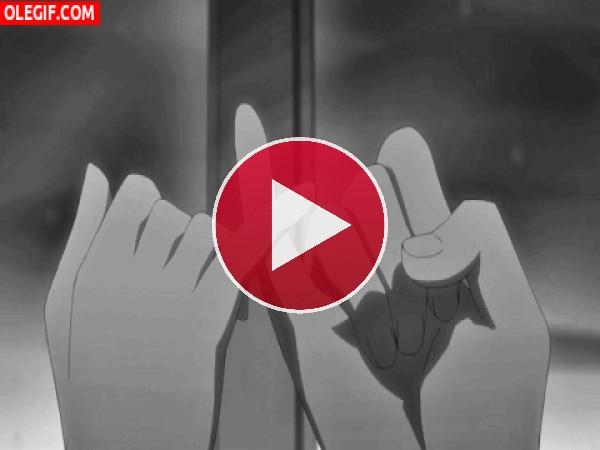 GIF: Entrelazando los dedos
