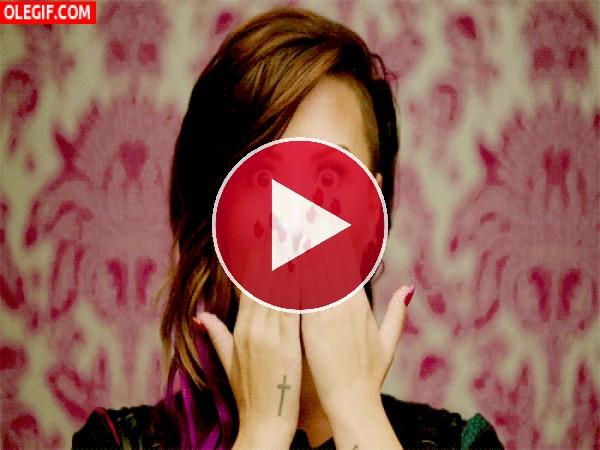 GIF: Una divertida Demi Lovato