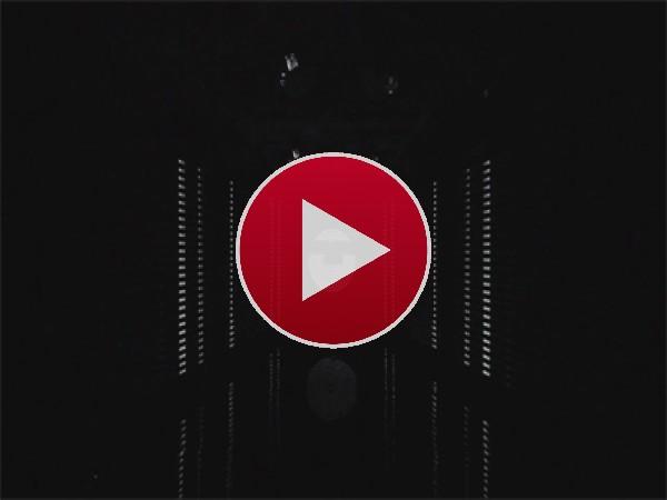 GIF: Movimiento de música electrónica