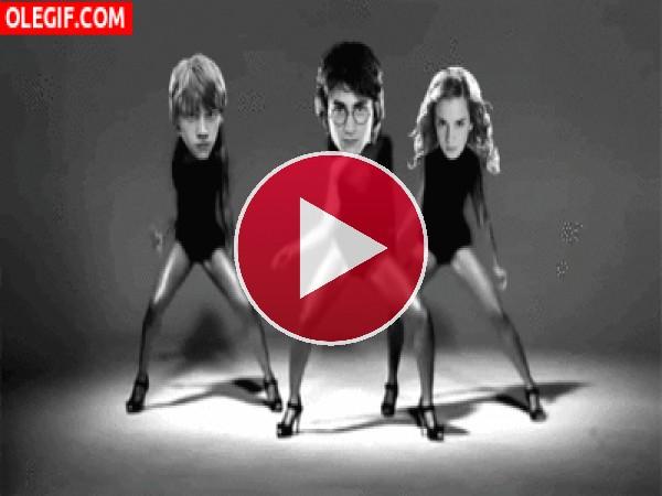 """GIF: Harry, Ron y Hermione bailando """"Single Ladies"""""""