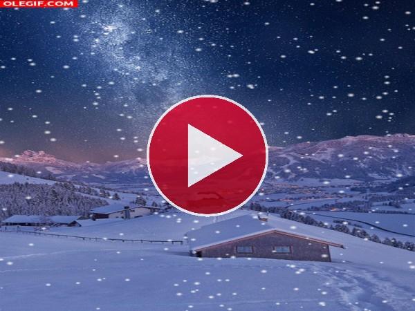 Nieve cayendo en la noche