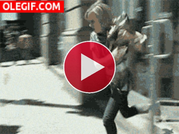 GIF: Me estampé contra el coche