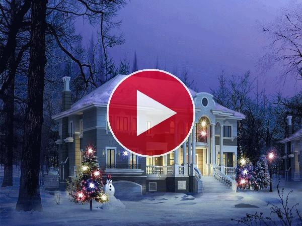 Luces de Navidad brillando junto a una casa