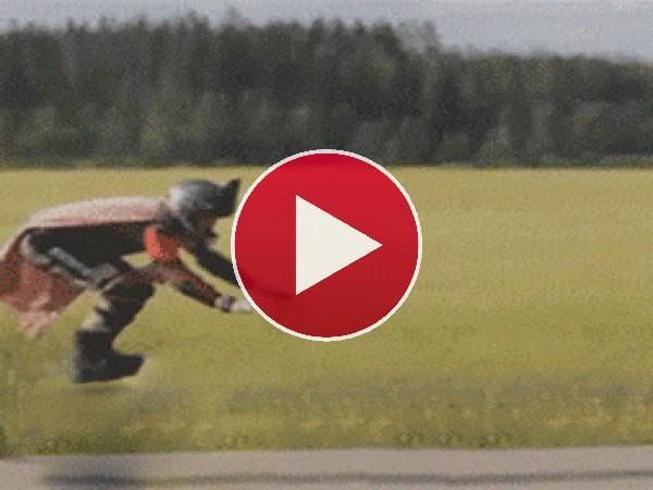 GIF: Le falló el propulsor
