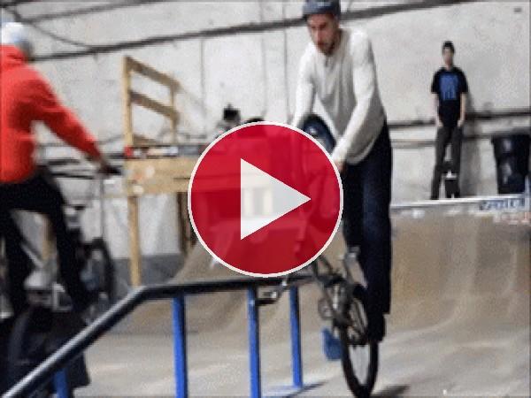 GIF: Buena destreza con la bici
