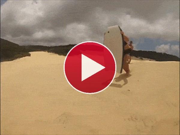 GIF: Surfeando en la arena