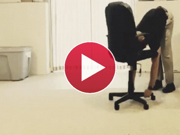 GIF: Haciendo flexiones en casa