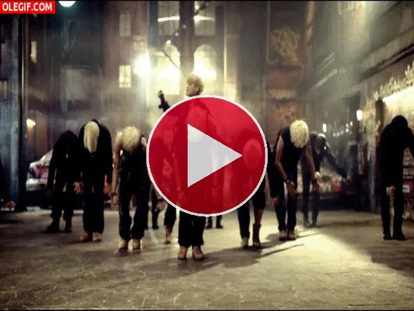 GIF: El baile de los zombies