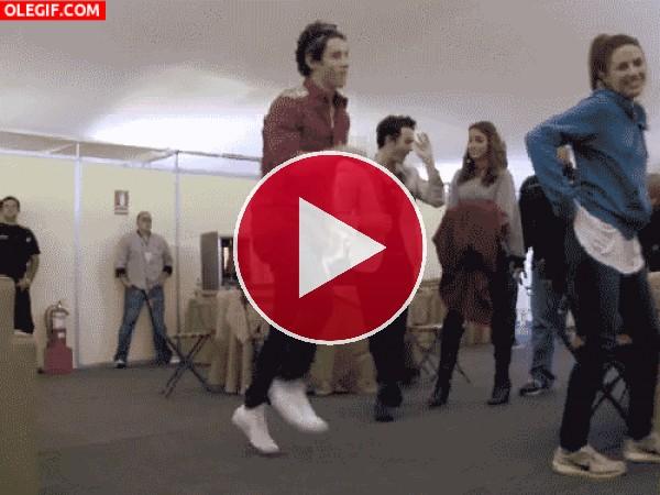 GIF: Me lo paso guay bailando