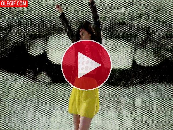 GIF: Chica bailando