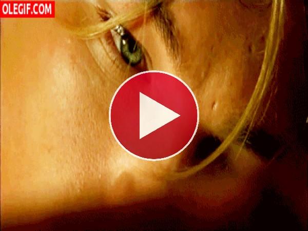GIF: Leonardo DiCaprio en una escena de Titanic
